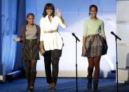 Michellle Obama and daughters Natasha and Miliann Ann